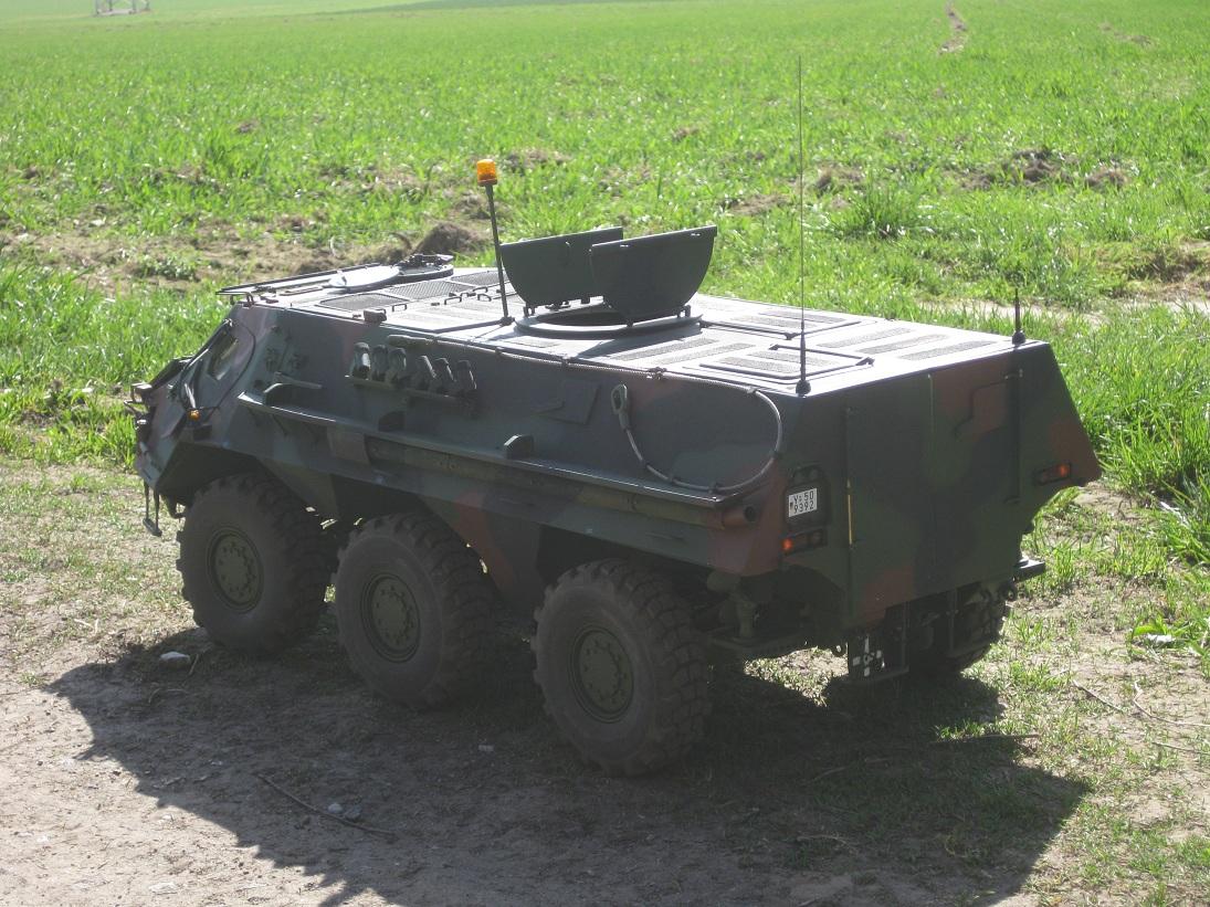 fuchs transportpanzer 1 10 rc panzer. Black Bedroom Furniture Sets. Home Design Ideas